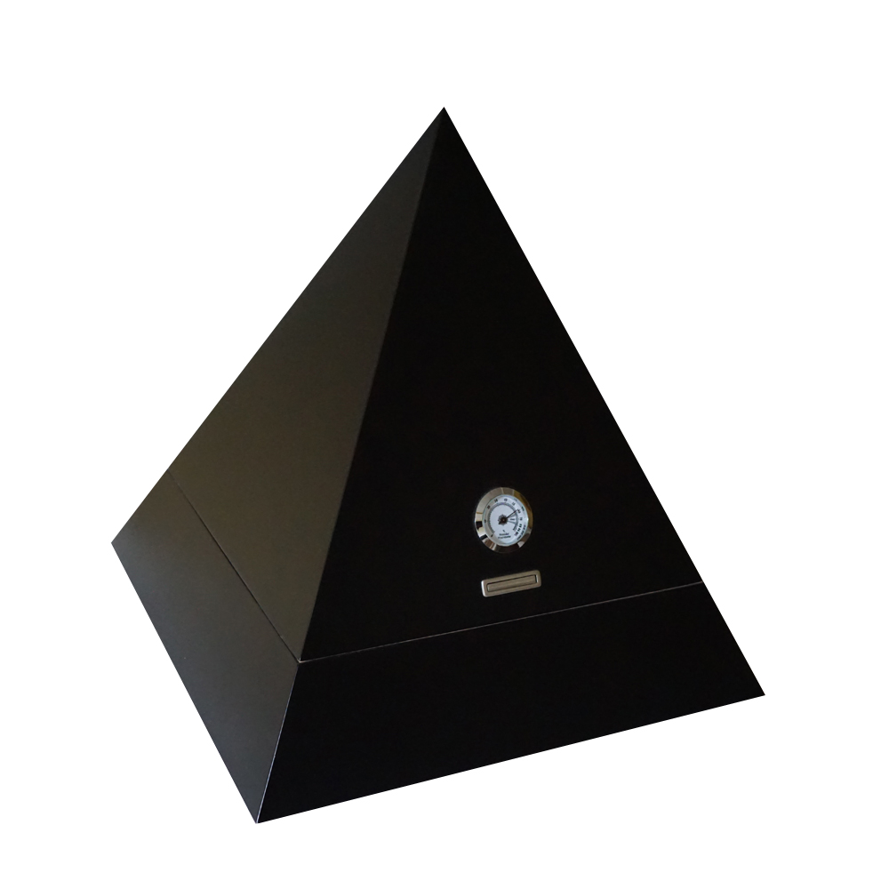 Mystic Collection - Black Pyramid Capacity: 100 cigars